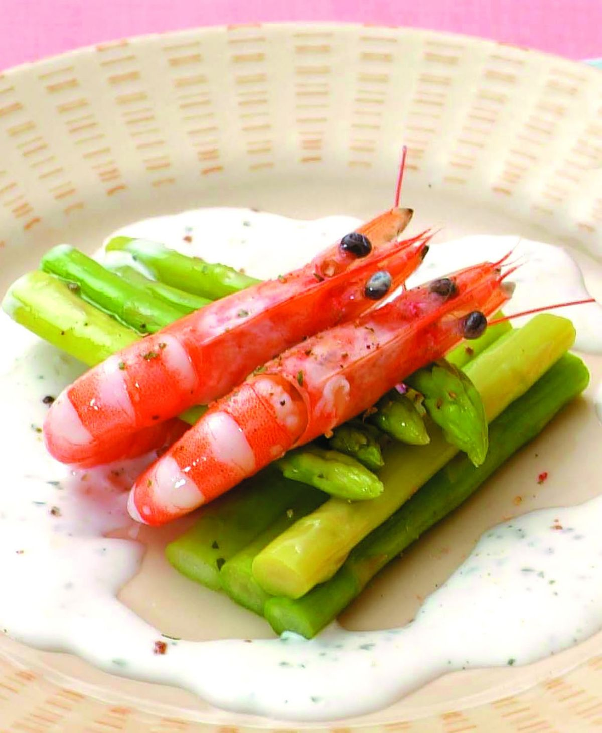 食譜:蒜味鮮蝦沙拉拌蘆筍