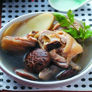 香菇雞腿湯
