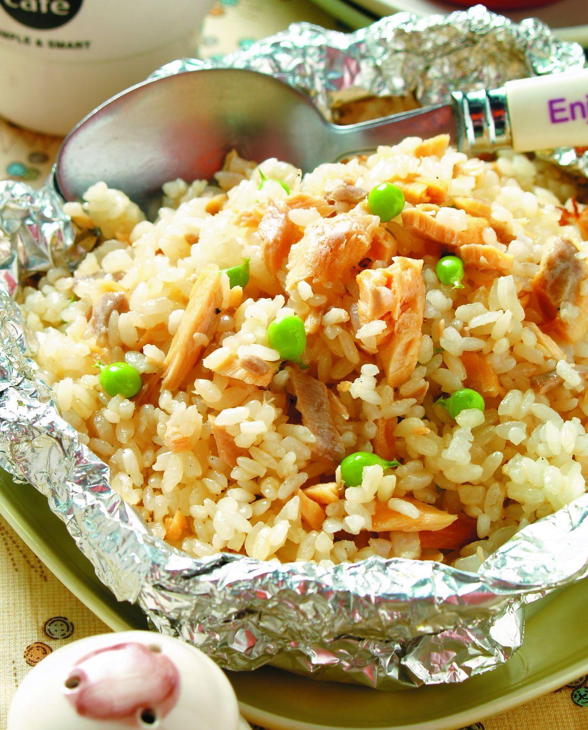 食譜:鋁燒-鮭魚美乃燒飯