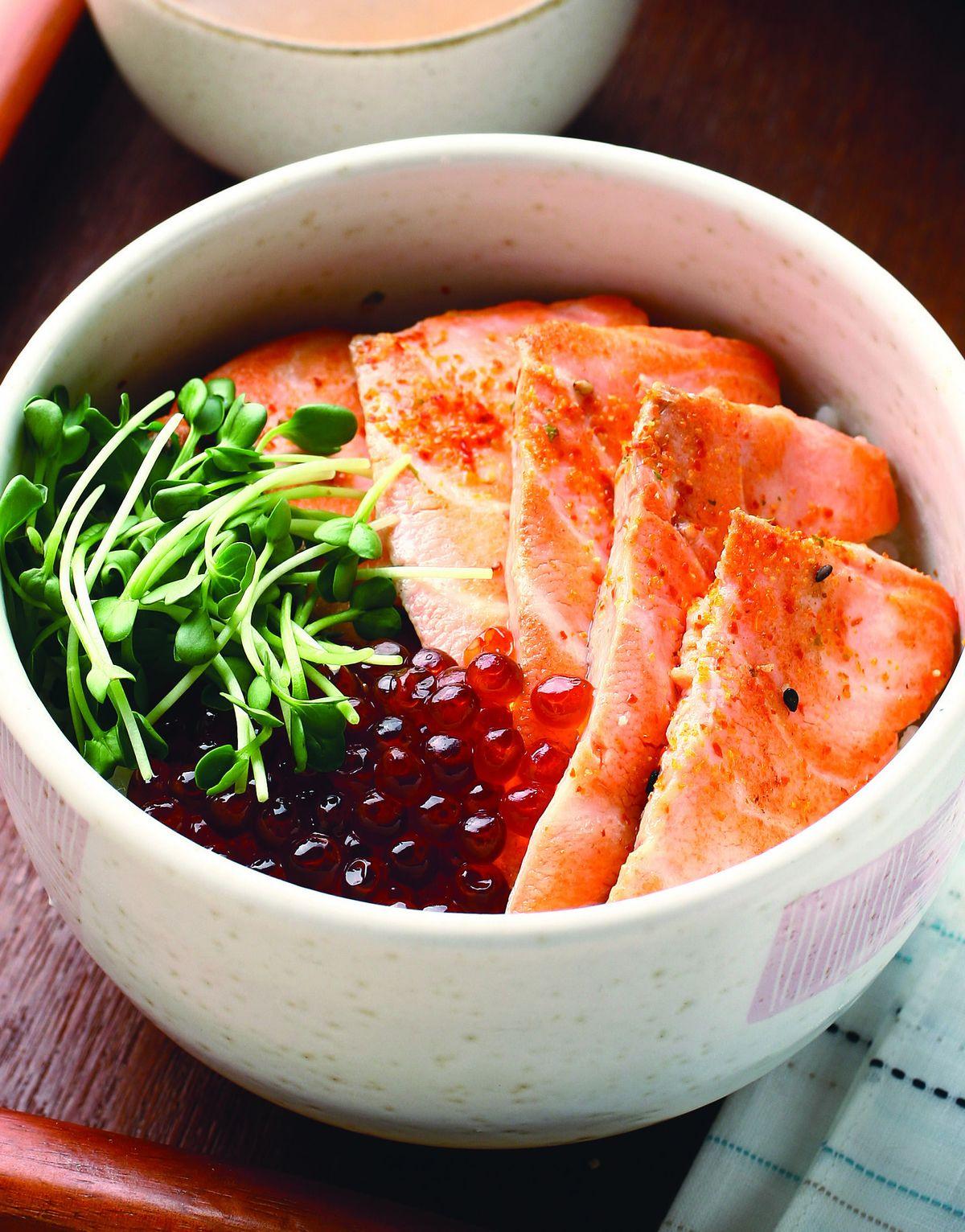 食譜:鮭魚親子蓋飯