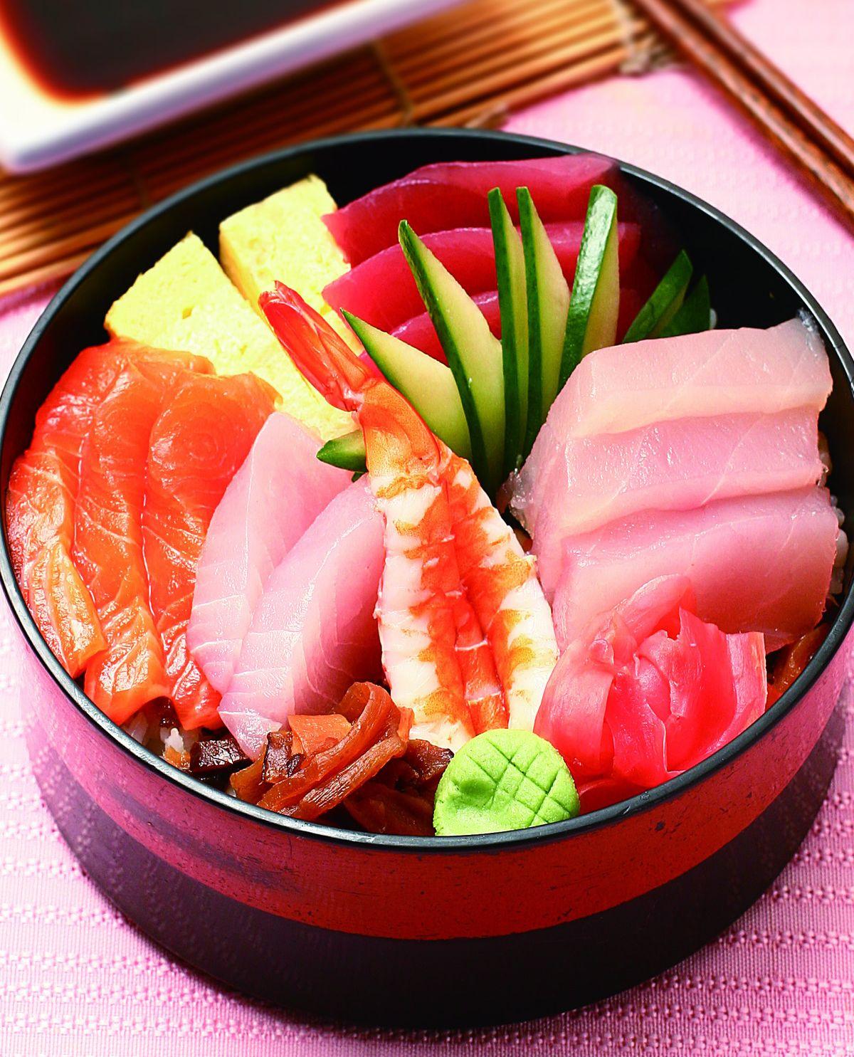 食譜:散壽司蓋飯