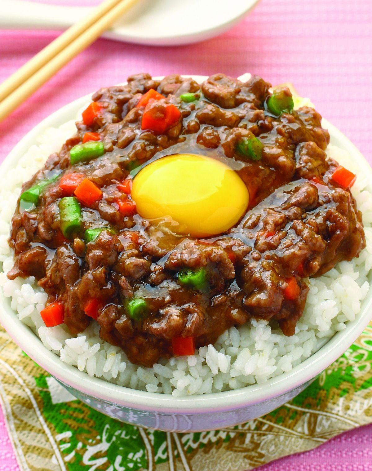 食譜:窩蛋牛肉蓋飯