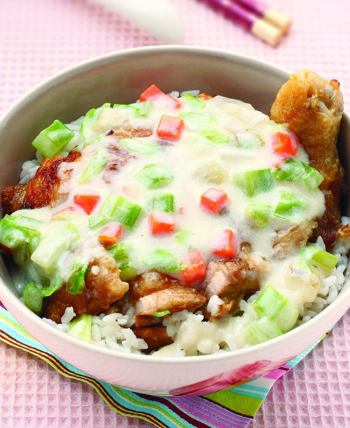 食譜:蔬菜牛奶雞腿蓋飯