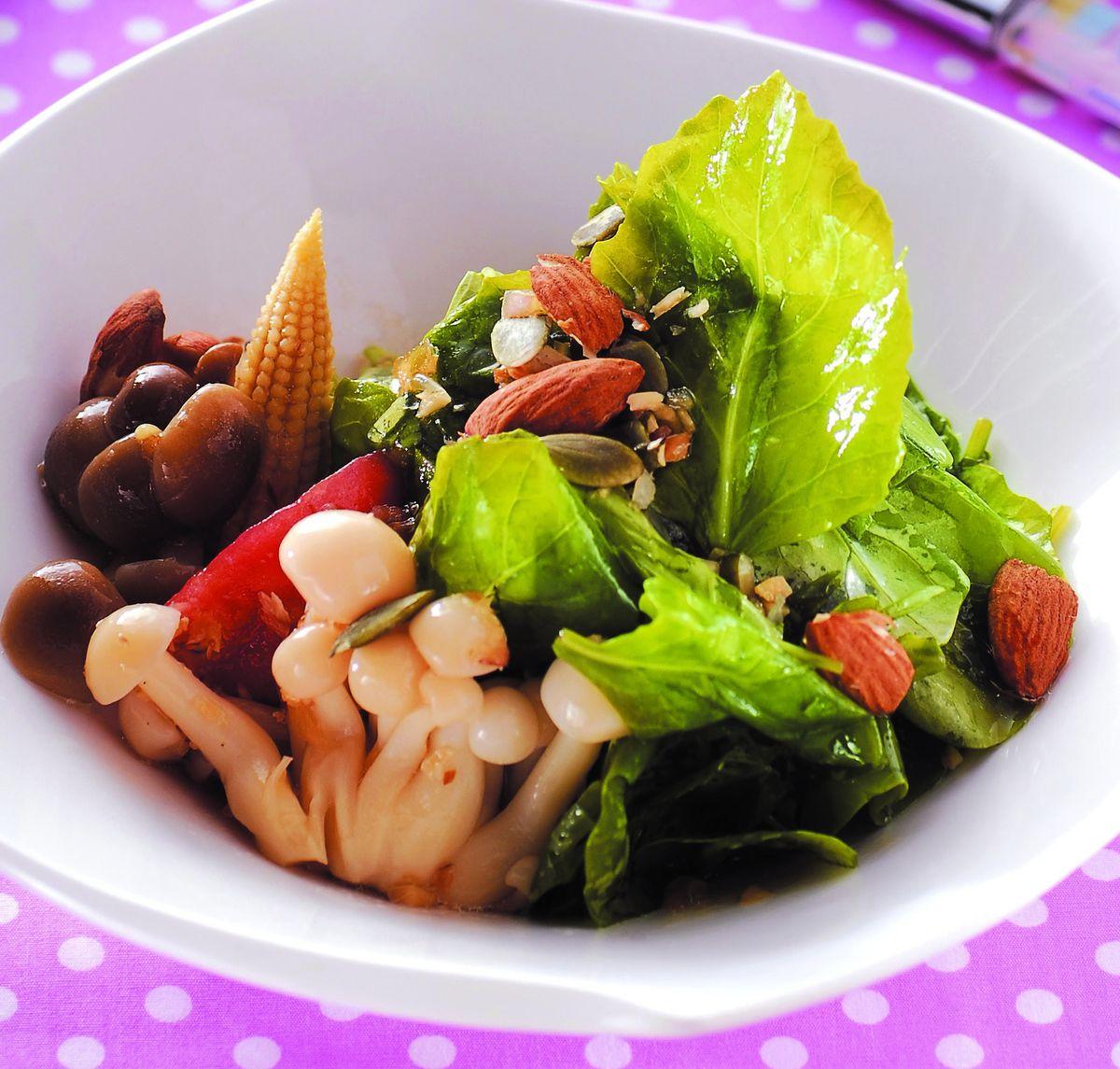 食譜:堅果嫩芥藍沙拉