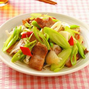 蒜苗炒五花肉(2)