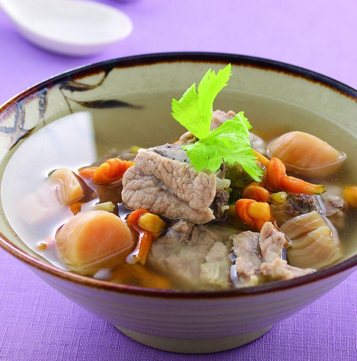 食譜:干貝金針排骨湯