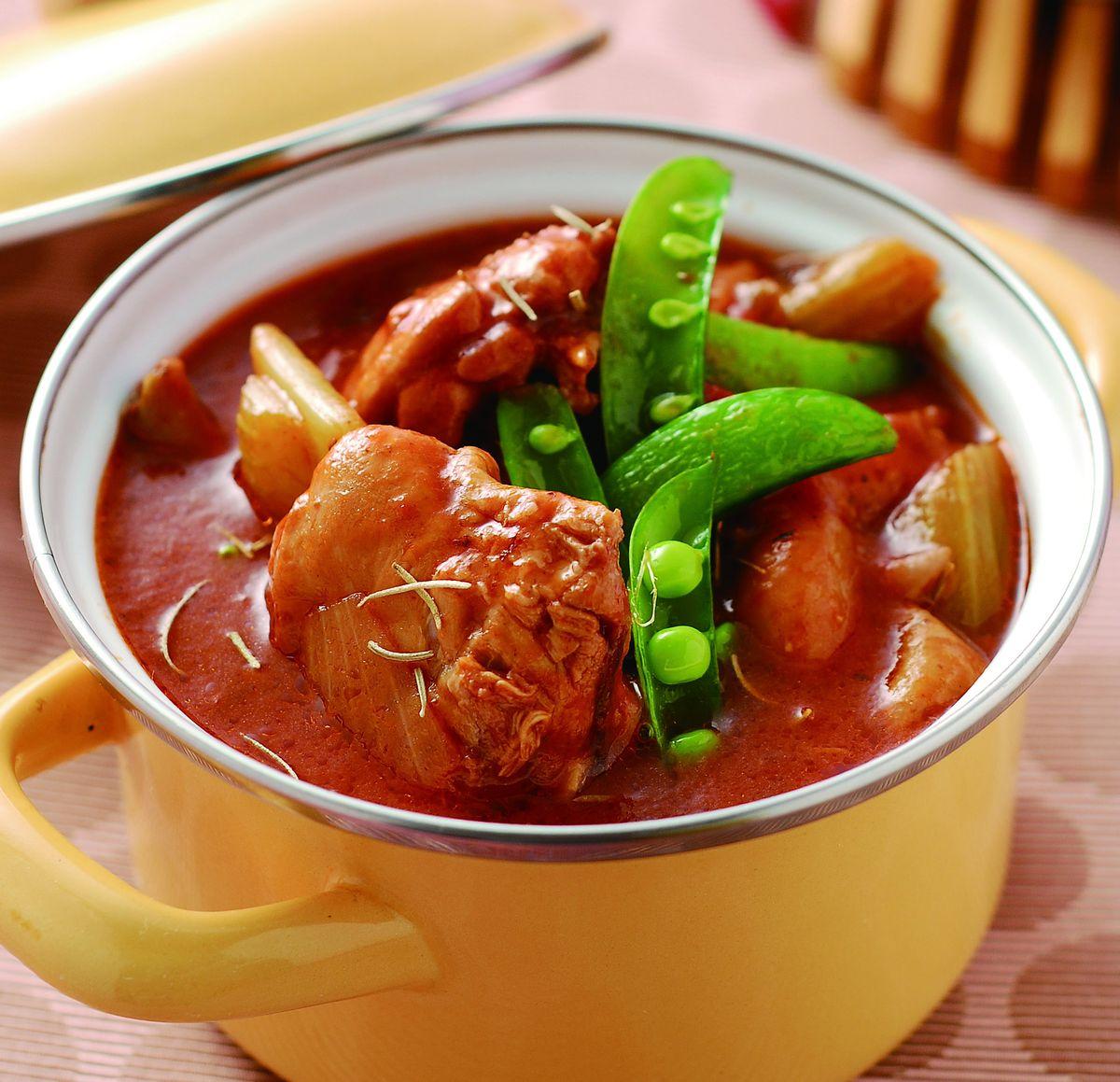 食譜:迷迭香草蕃茄燉嫩雞