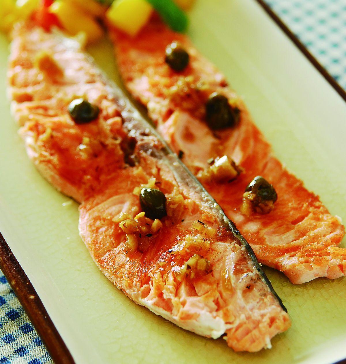 食譜:香煎鮭魚(1)