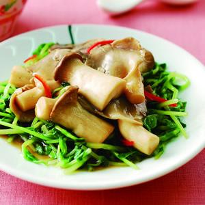 蠔油雙菇燴小豆苗