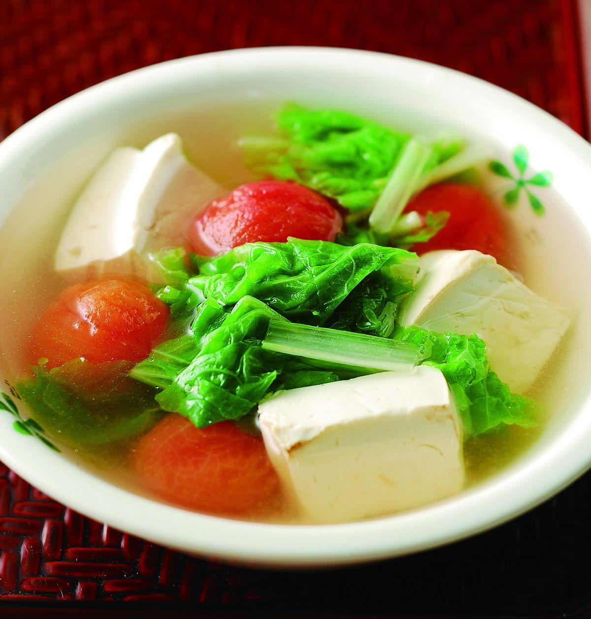 食譜:蕃茄豆腐小白菜湯