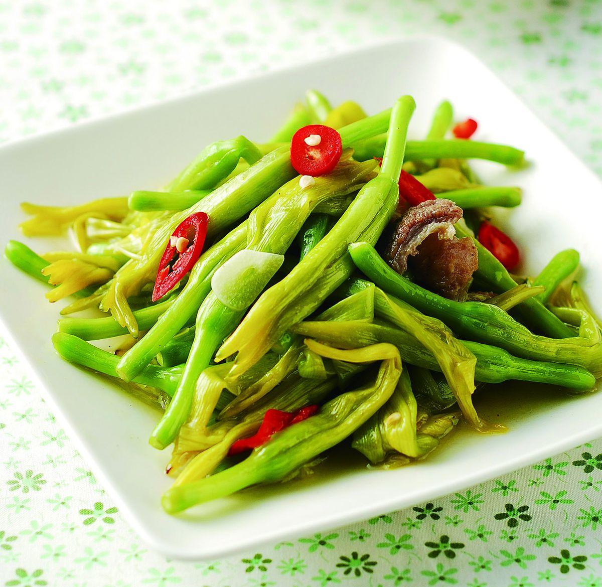 食譜:金針花炒肉絲(1)
