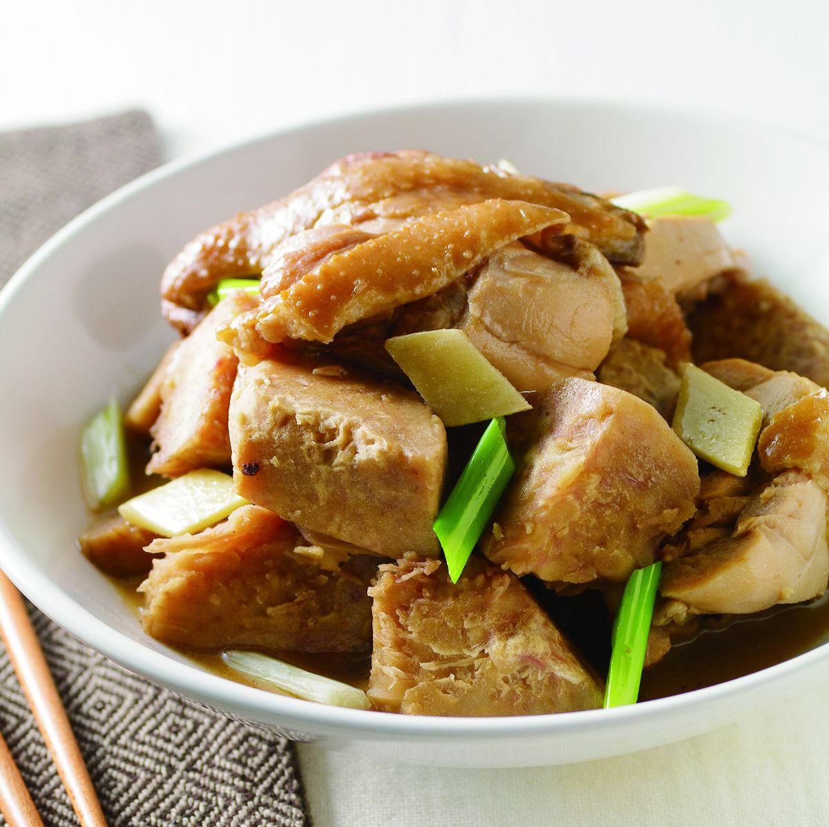 食譜:芋頭燒雞腿