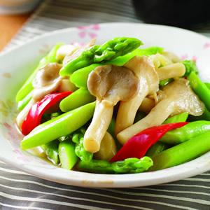 青蘆筍炒袖珍菇