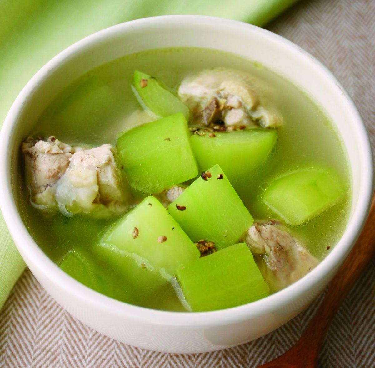 食譜:胡椒黃瓜煲雞湯