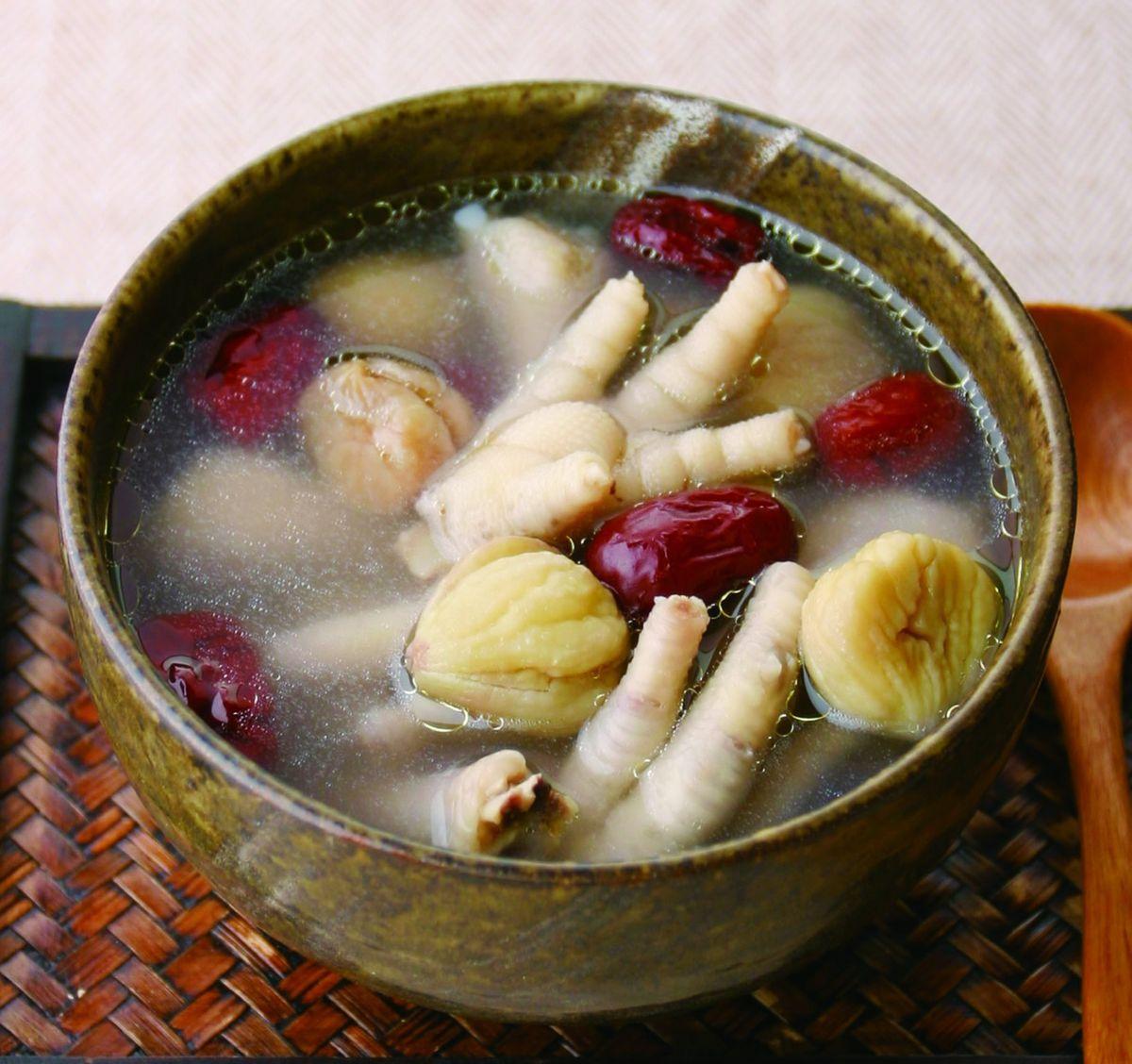 食譜:栗子紅棗煲鳯爪湯