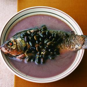 黑豆鯽魚湯