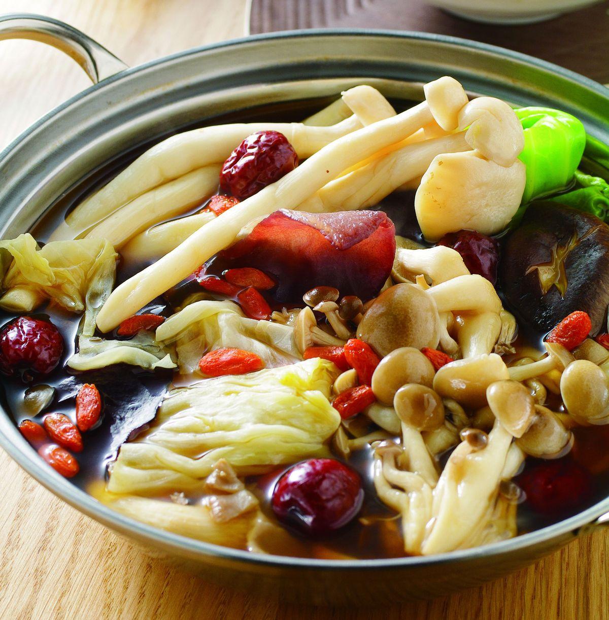 食譜:百菇養生鍋