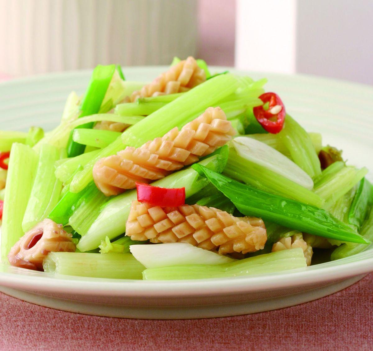 食譜:魷魚炒芹菜