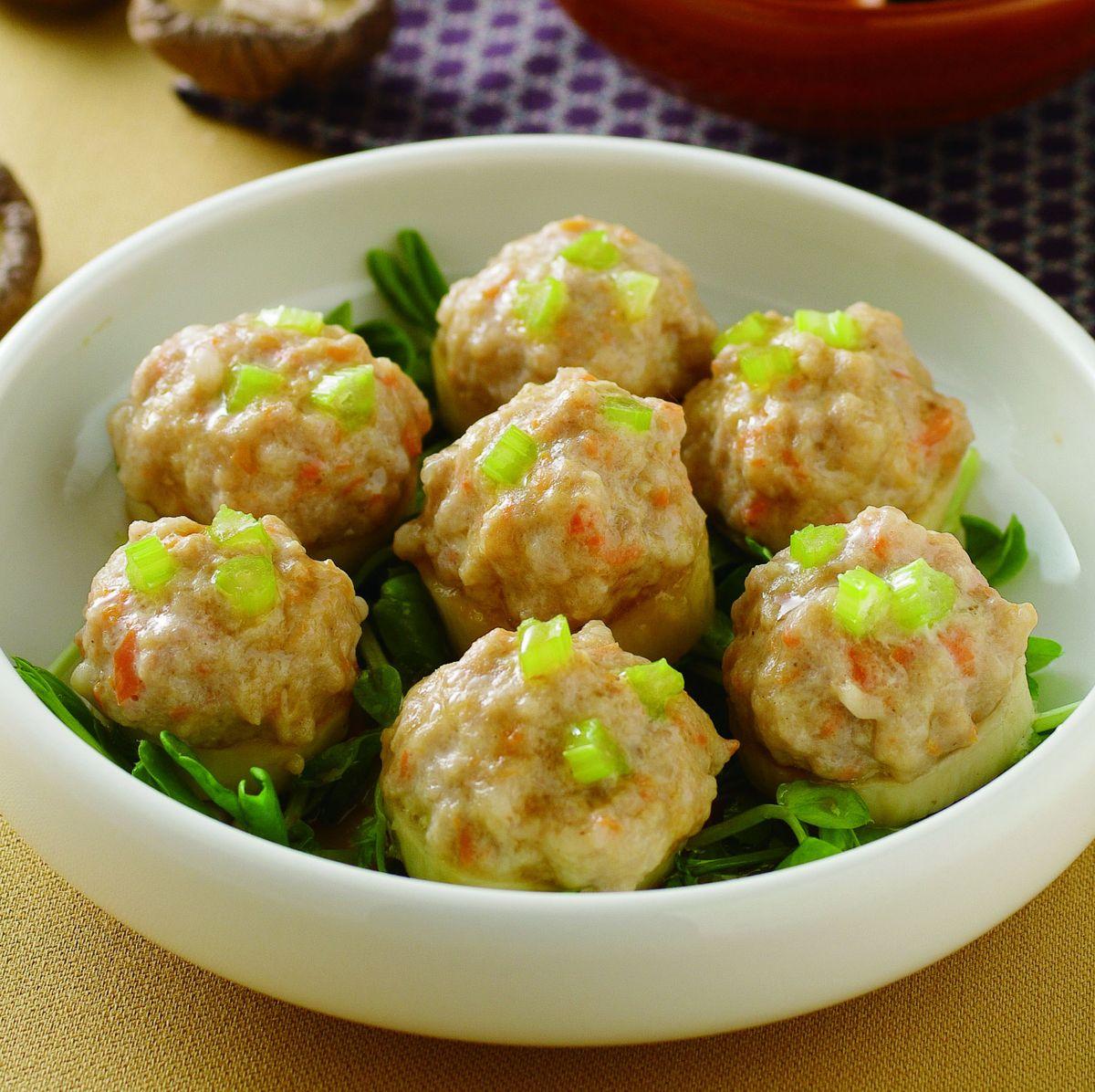 食譜:鮑菇蒸肉丸