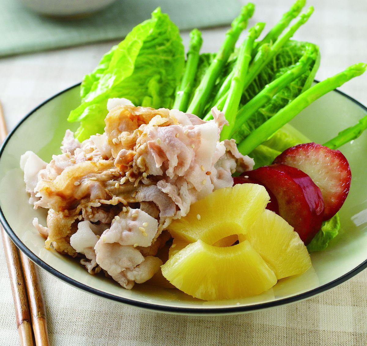 食譜:冰鎮肉片蔬果沙拉