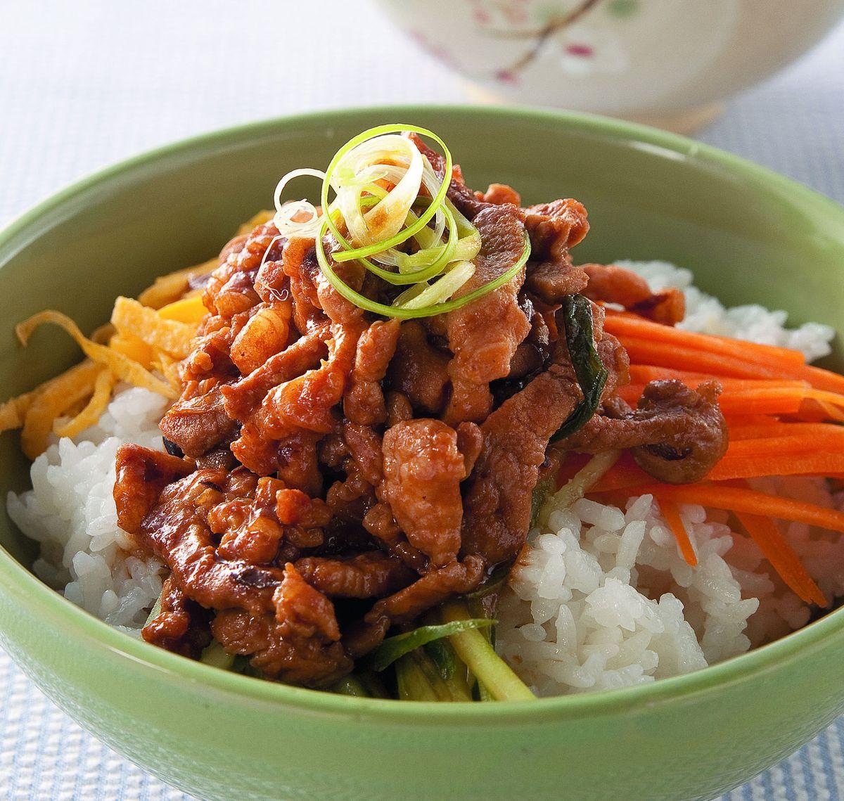 食譜:蔥爆京醬肉絲飯
