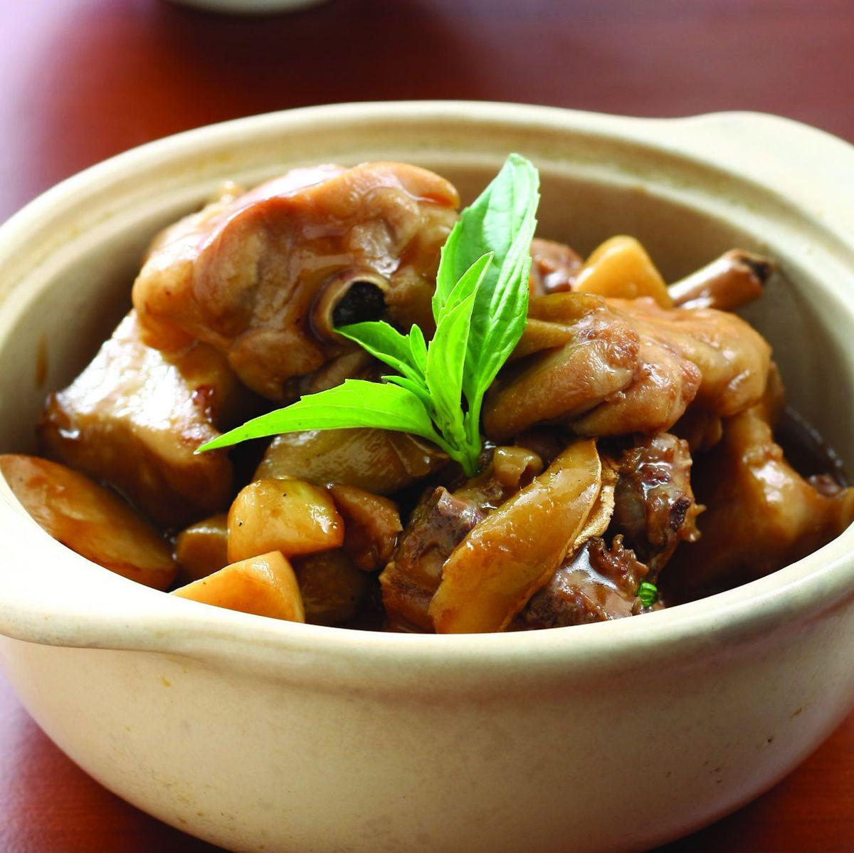 食譜:鮮菇三杯雞腿