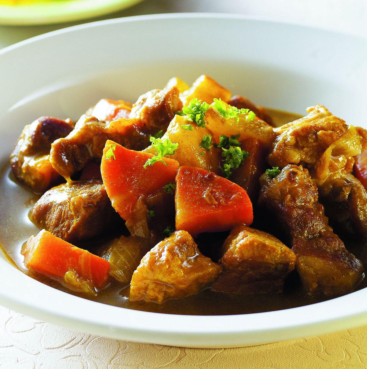 食譜:咖哩蘋果燉肉