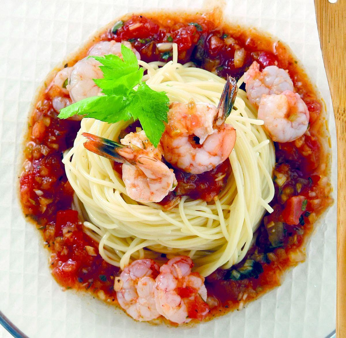 食譜:蕃茄鮮蝦義大利麵