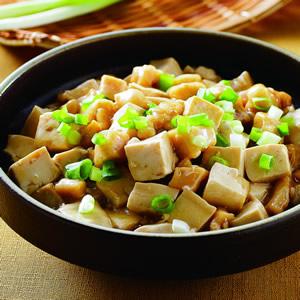 鹹魚雞粒豆腐煲(3)