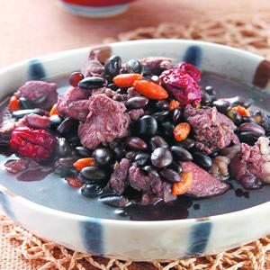 黑豆燉排骨
