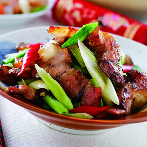 蒜苗芹菜炒鹹肉