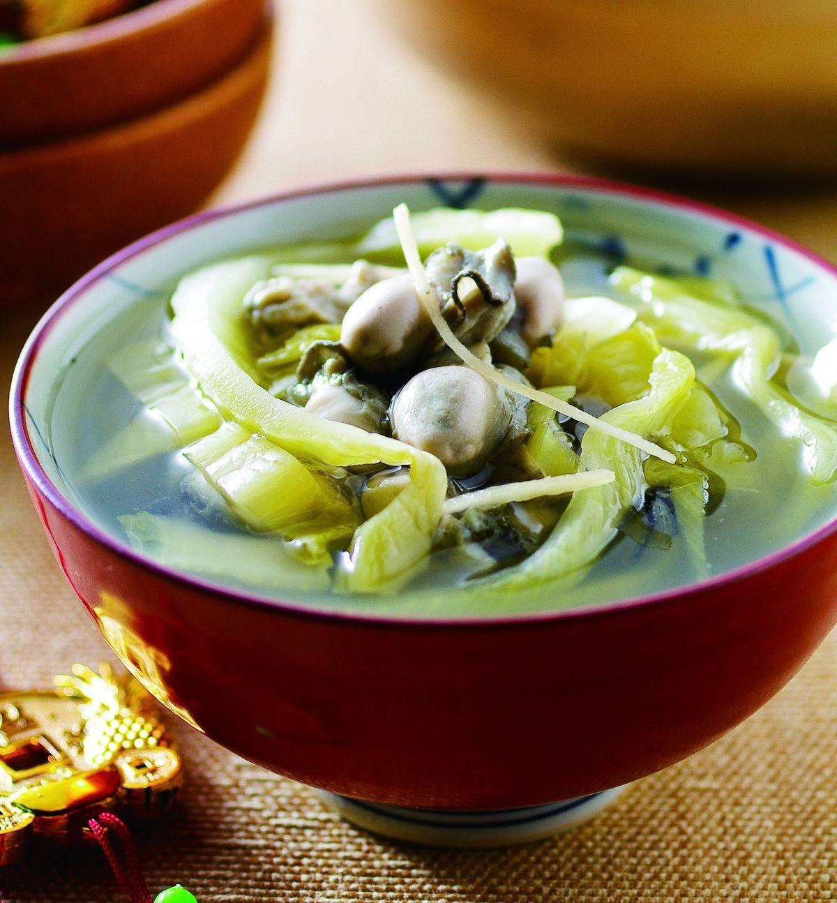 食譜:酸菜蚵仔湯(1)