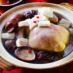 竹笙花菇雞湯