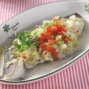 蒜味蒸鱈魚