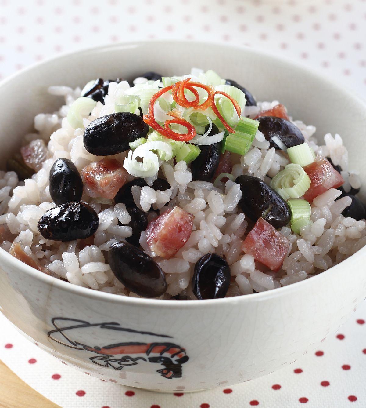 食譜:黑豆養身臘腸飯
