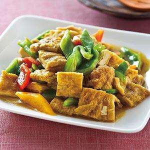 綠咖哩炒豆包丁