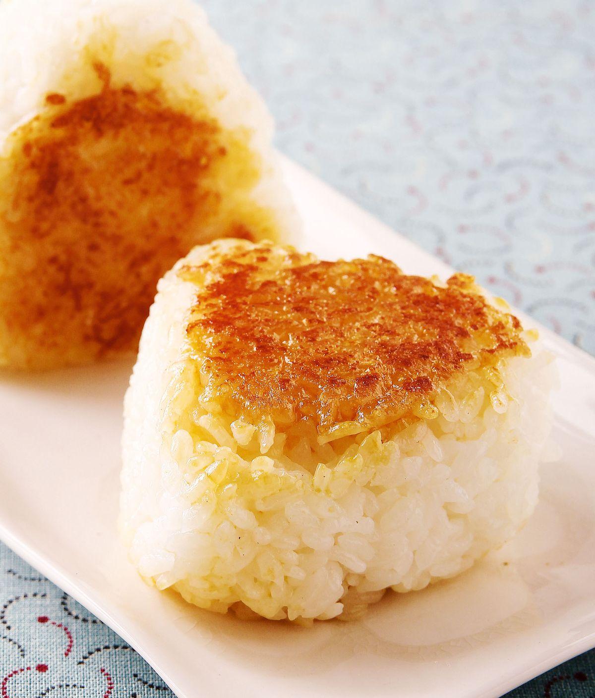食譜:蛋黃醬油烤飯糰