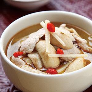麻油洋菇肉片湯
