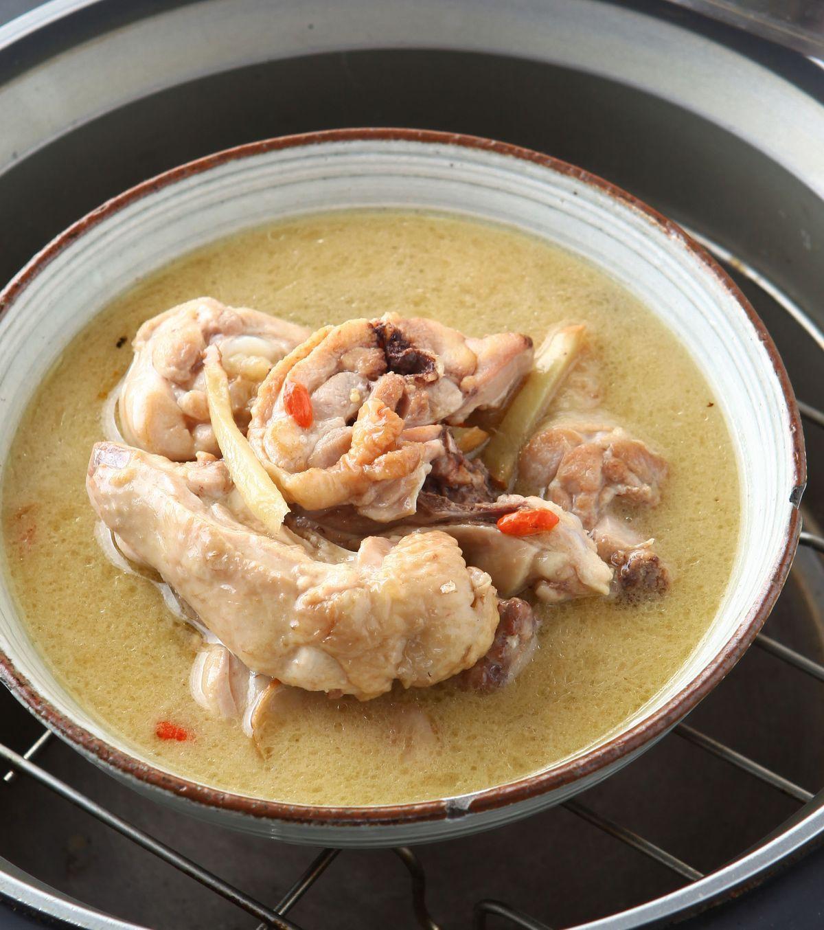 食譜:麻油雞湯(2)