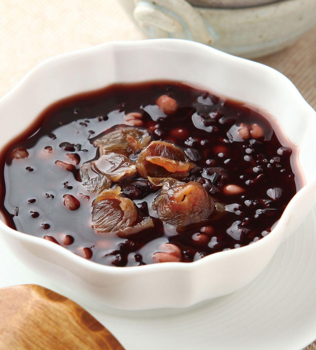 食譜:紫米薏仁桂圓湯