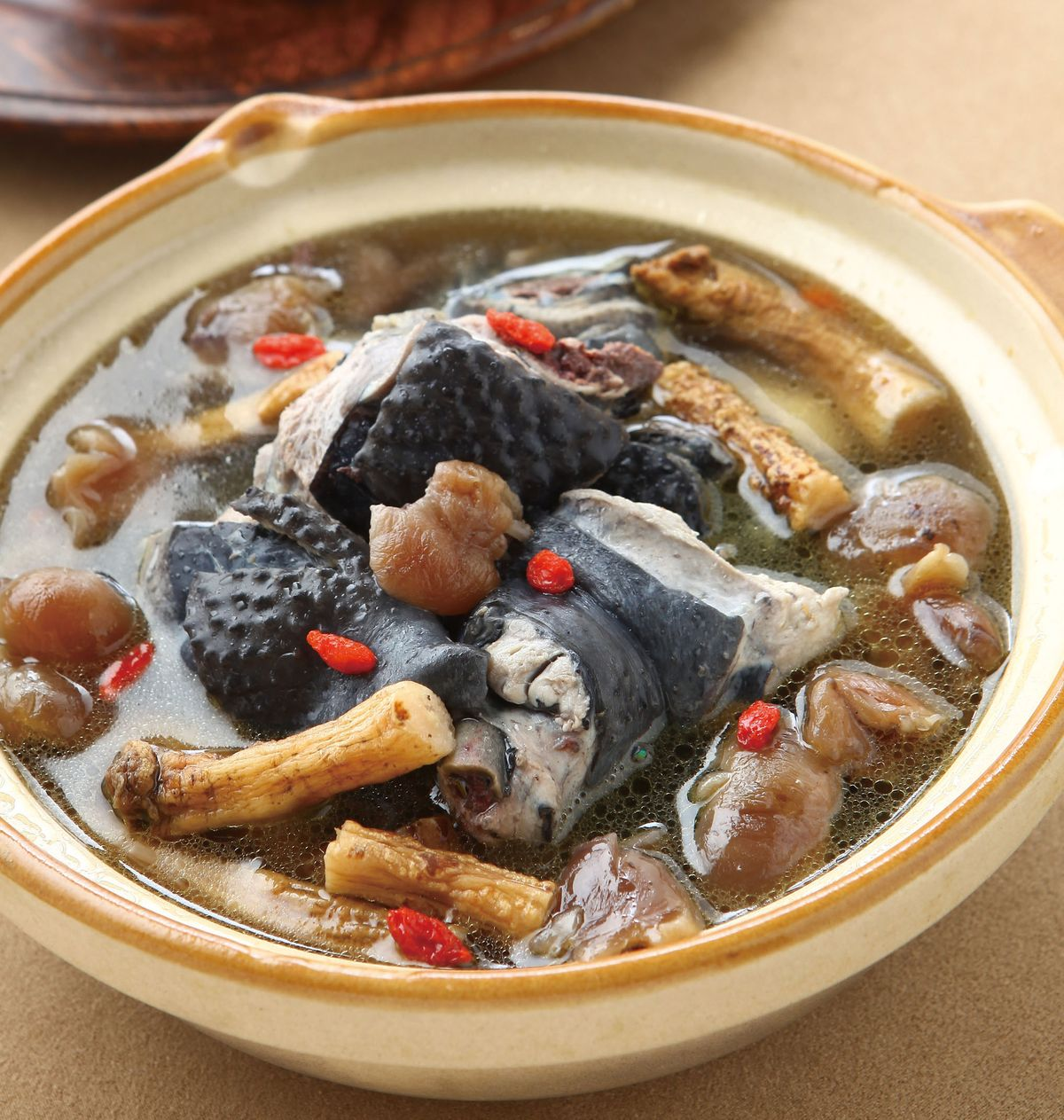 食譜:桂圓黨蔘煲烏雞