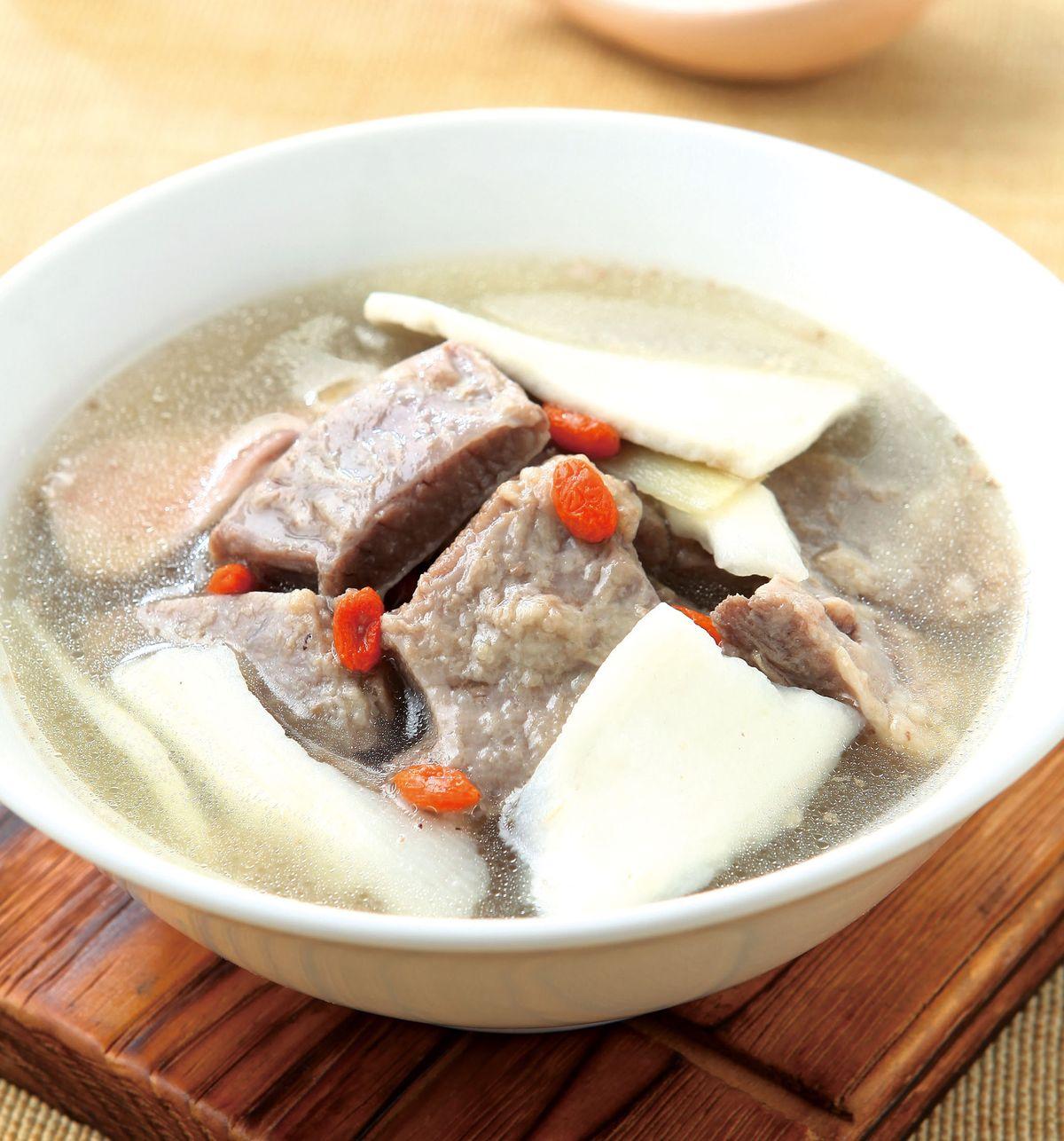 食譜:茯苓淮杞牛腩湯
