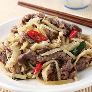 酸菜炒牛肉片