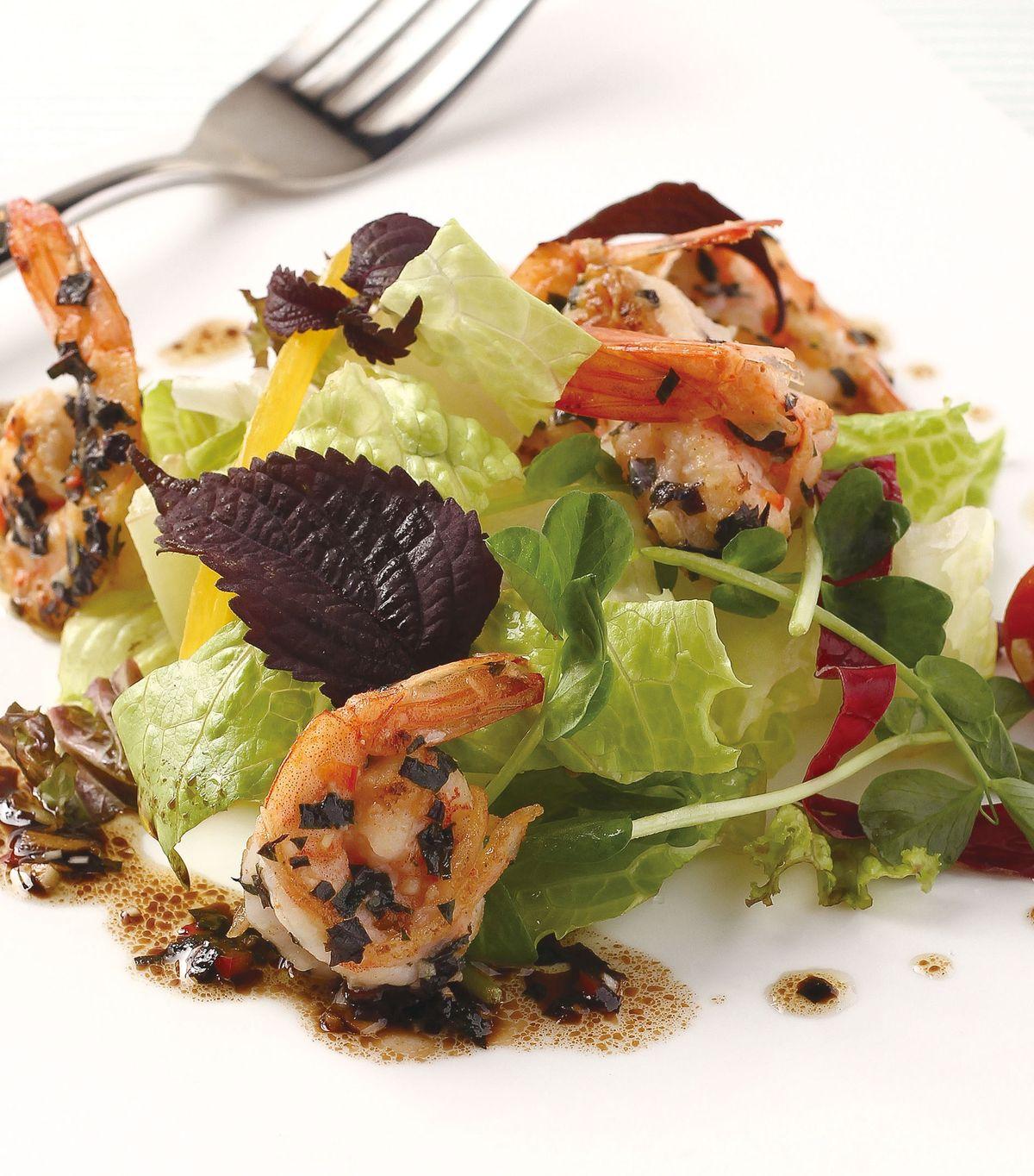 食譜:炙烤紫蘇鮮蝦沙拉