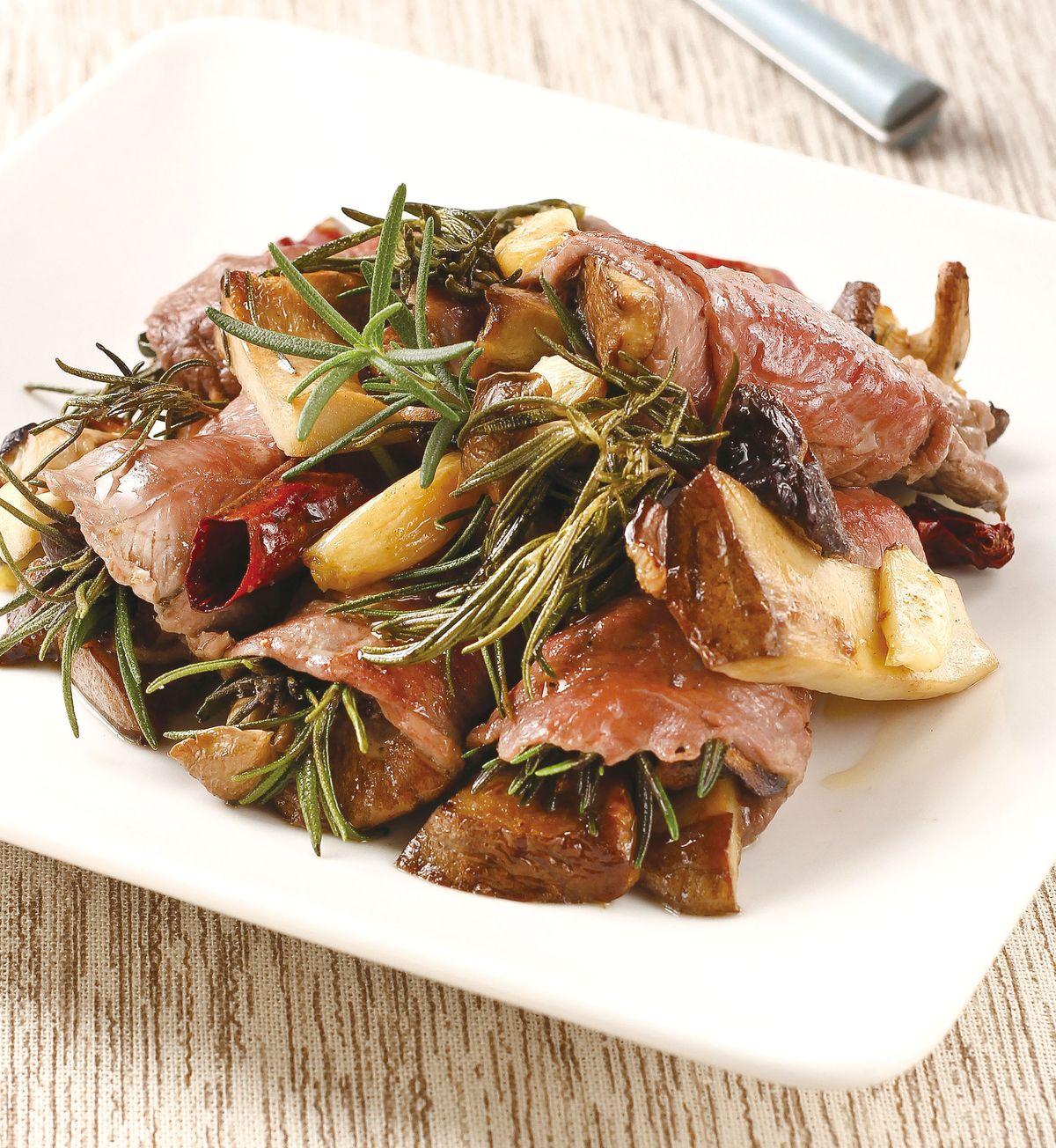 食譜:迷迭香辣烤菌菇牛肉捲