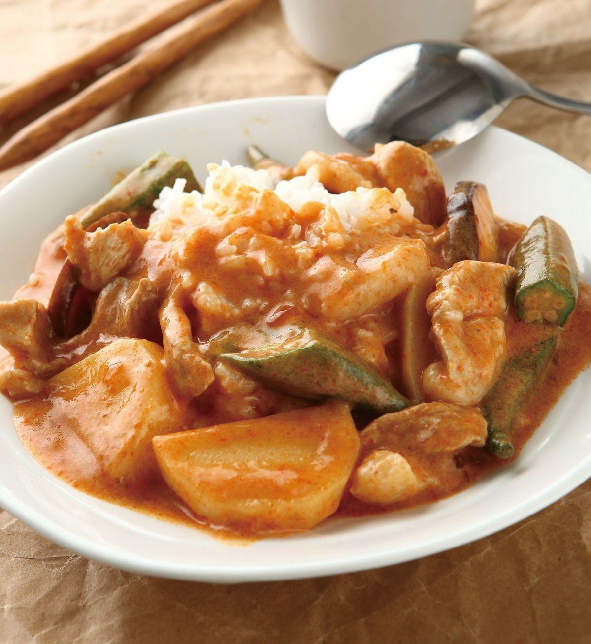 食譜:椰汁咖哩燉肉飯