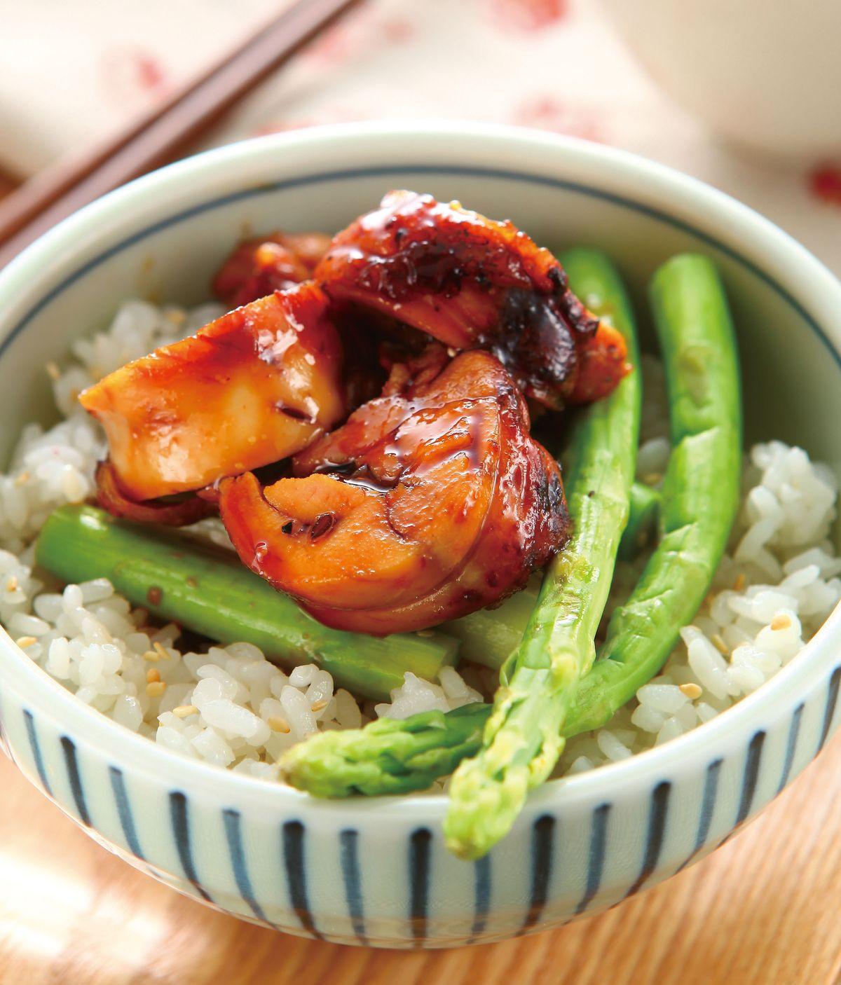 食譜:蘆筍雞捲丼