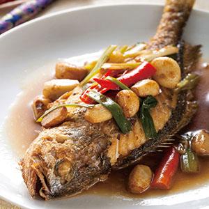 蒜子燒黃魚(4)
