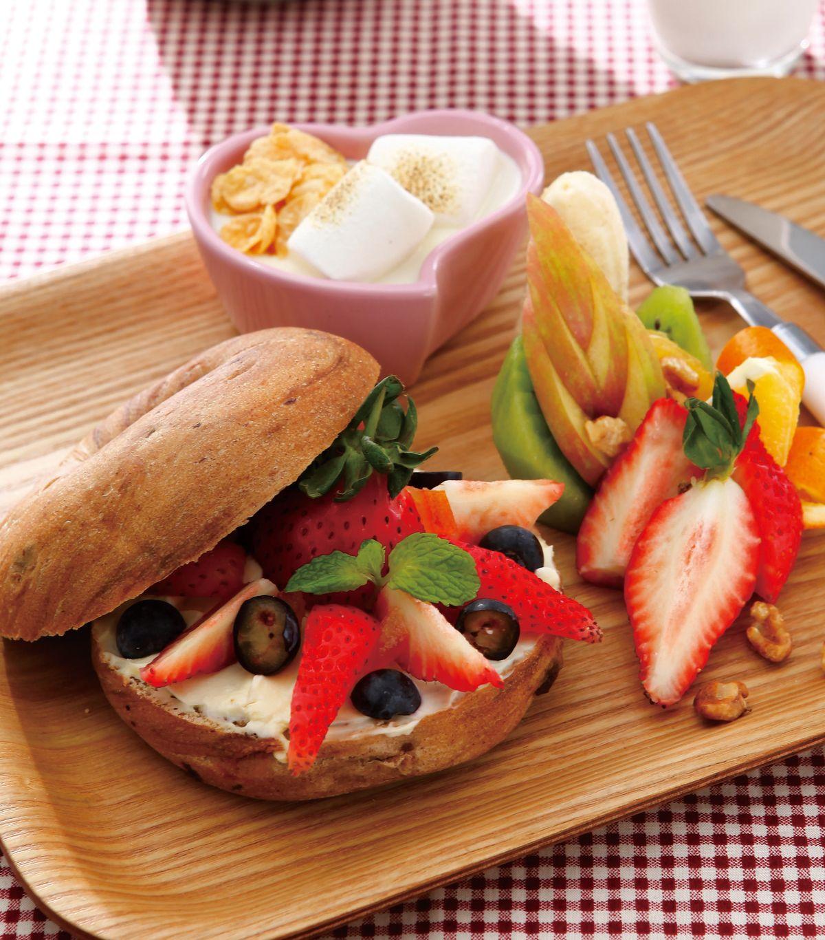 食譜:培果佐起司抹醬搭時令草莓