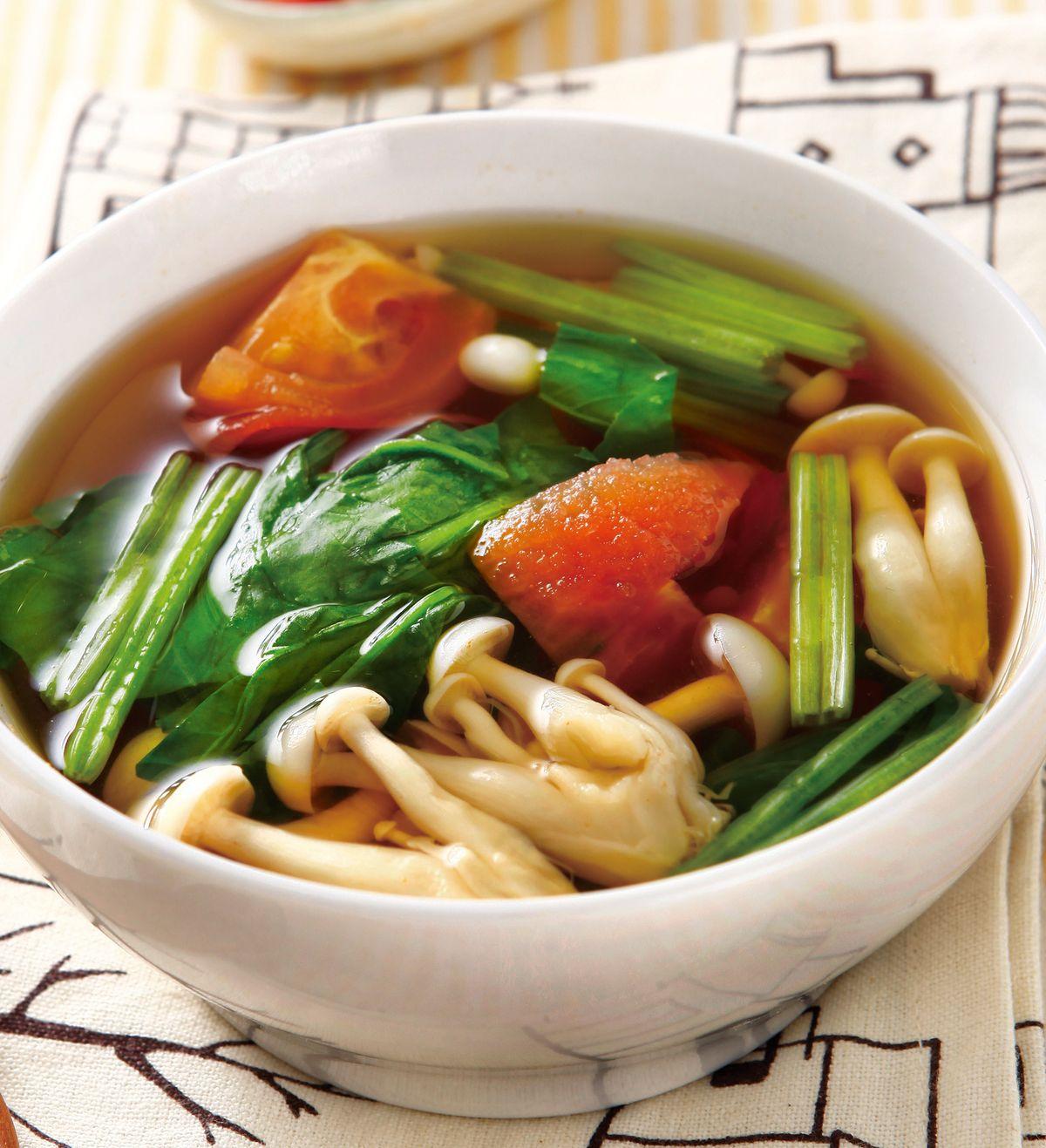 食譜:菠菜番茄鮮菇湯